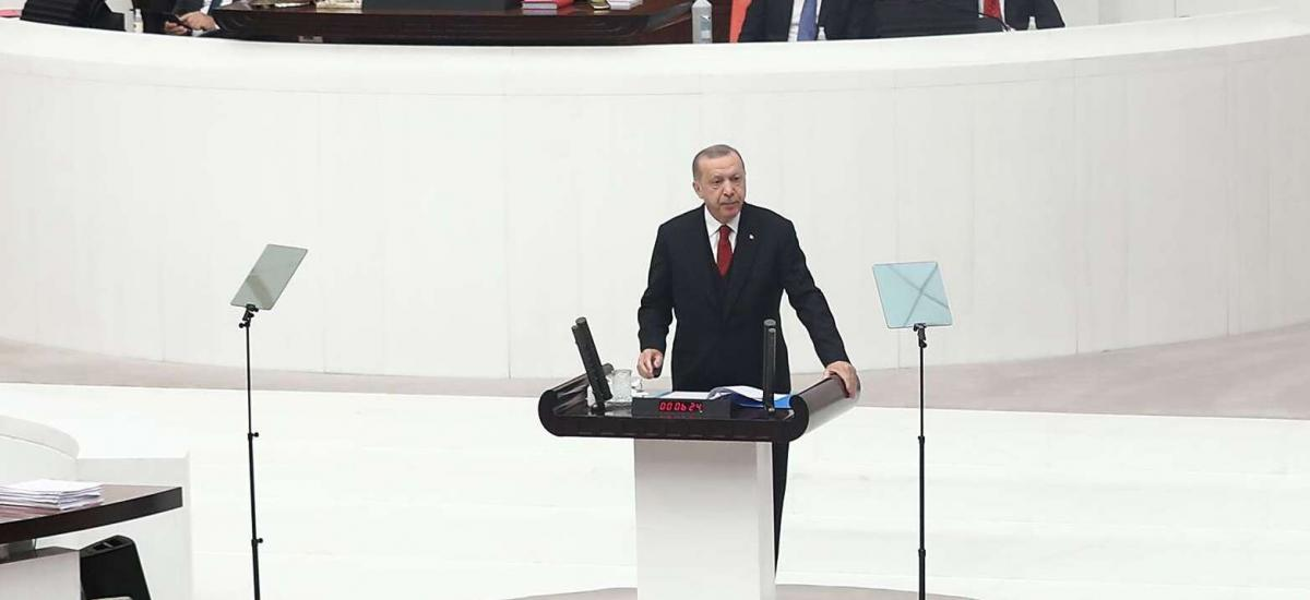 Turkey's President Recep Tayyip Erdogan (C) addresses MPs at the fourth legislative session of the Turkish parliament's 27th term at the Grand National Assembly of Turkey (GNAT) in Ankara on October 1, 2020. (Photo by Adem ALTAN / AFP)