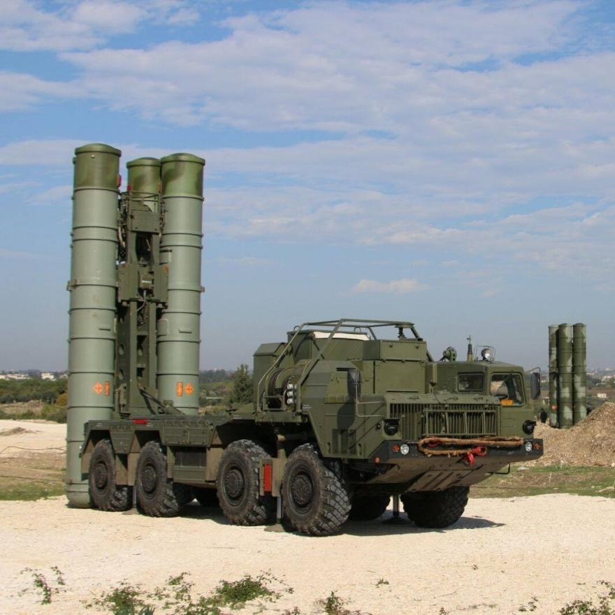 This file handout picture obtained from the Russian Defence Ministry's official Facebook page on November 26, 2015 shows Russia's S-400 air defence missile systems at the Hmeimim airbase in the Syrian province of Latakia. Russia will use advanced air defence systems to protect its remaining contingent in Syria after some of its forces are pulled out, a senior Kremlin official said on March 15, 2016. AFP PHOTO / RUSSIAN DEFENCE MINISTRY