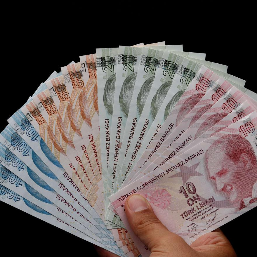 Turkish lira banknotes are seen in this picture illustration in Istanbul, Turkey August 14, 2018. REUTERS/Murad Sezer